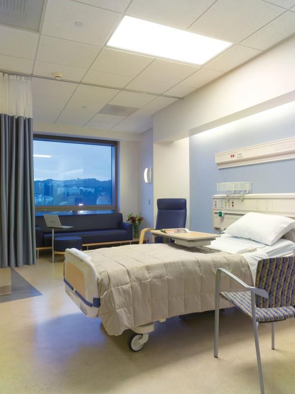 hospital-room-novdr7tf